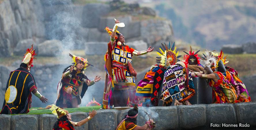 TRADICIONES andinas en inti raymi HUATIA