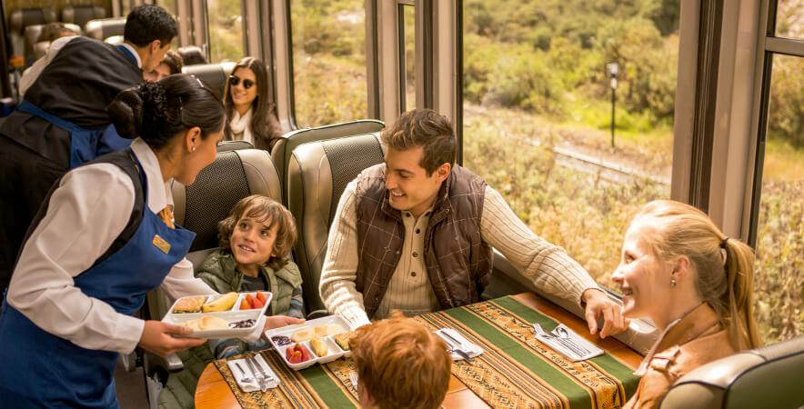 Foto 2_Snack on board Vistadome Train