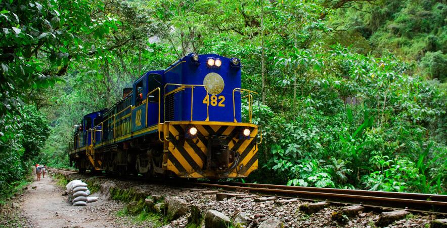 PERURAIL train Vilcanota river Machu Picchu Cusco